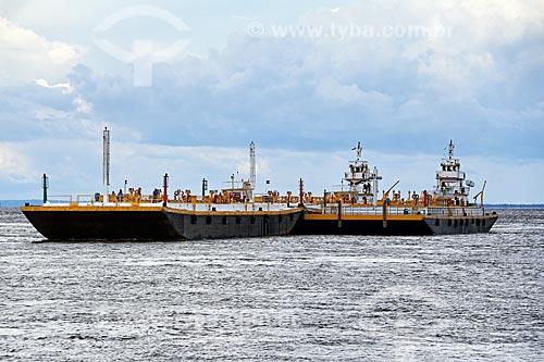 Navio-tanque no Rio Amazonas próximo à Parintins  - Parintins - Amazonas (AM) - Brasil
