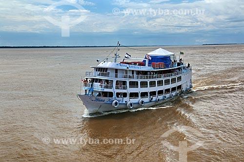 Chalana - embarcação regional - no Rio Amazonas próximo à Itacoatiara  - Itacoatiara - Amazonas (AM) - Brasil