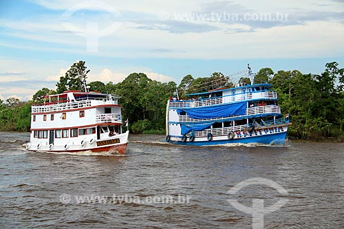Chalanas - embarcação regional - no Rio Amazonas próximo à Manaus  - Manaus - Amazonas (AM) - Brasil