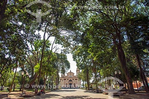 Vista da Praça Padre Luiz Balnes com a Basílica do Senhor Bom Jesus de Tremembé (1673) ao fundo  - Tremembé - São Paulo (SP) - Brasil
