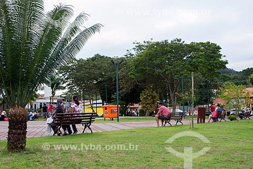 Pessoas no Parque de Lazer Professora Deoclésia de Almeida Mello  - Guararema - São Paulo (SP) - Brasil