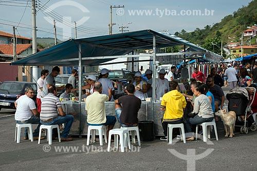 Barraca da pastel em feira livre de Guararema  - Guararema - São Paulo (SP) - Brasil