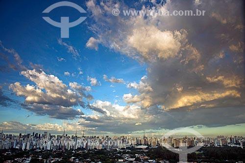 Vista da lado sul da Avenida Paulista a partir do Itaim Bibi  - São Paulo - São Paulo (SP) - Brasil