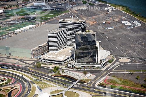 Foto aérea do Prédio do Centro Principal de Imprensa e do prédio do Centro Internacional de Transmissões - parte do Parque Olímpico Rio 2016  - Rio de Janeiro - Rio de Janeiro (RJ) - Brasil