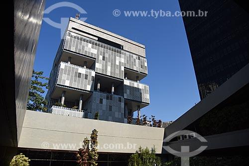 Vista do edifício sede da Petrobras a partir do edifício sede do Banco Nacional de Desenvolvimento Econômico e Social (BNDES)  - Rio de Janeiro - Rio de Janeiro (RJ) - Brasil