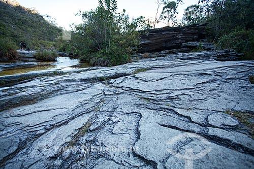 Detalhe de erosão fluvial próximo ao Rio do Salto no Parque Estadual do Ibitipoca  - Lima Duarte - Minas Gerais (MG) - Brasil