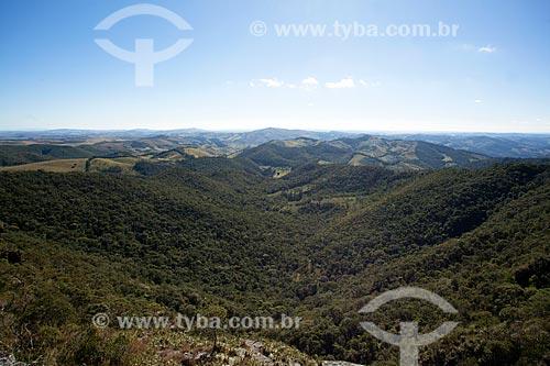 Vista geral do Parque Estadual do Ibitipoca durante a trilha do circuito da Janela do Céu  - Lima Duarte - Minas Gerais (MG) - Brasil