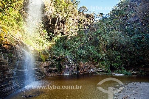 Vista de cachoeira no Parque Estadual do Ibitipoca durante a trilha do circuito da Janela do Céu  - Lima Duarte - Minas Gerais (MG) - Brasil