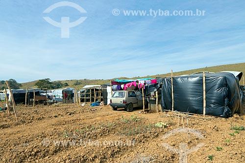 Barracas no acampamento Liberdade do Movimento dos Trabalhadores Rurais Sem Terra  - Coronel Pacheco - Minas Gerais (MG) - Brasil