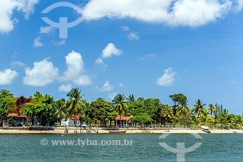 Vista da Ilha do Goió a partir da Baía de Camamu  - Camamu - Bahia (BA) - Brasil