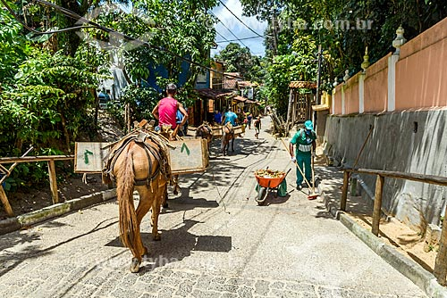 Canteiro de obras na Rua da Fonte Grande  - Cairu - Bahia (BA) - Brasil