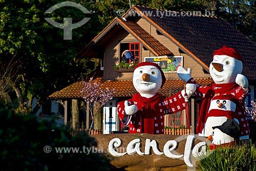 Detalhe de decoração de inverno na cidade de Canela  - Canela - Rio Grande do Sul (RS) - Brasil