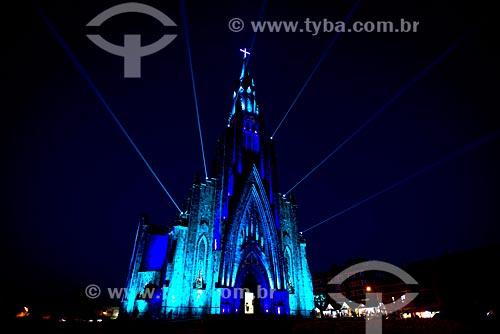 Vista da Paróquia de Nossa Senhora de Lourdes - também conhecida como Catedral de Pedra - com iluminação especial durante a noite  - Canela - Rio Grande do Sul (RS) - Brasil