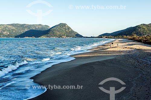 Vista da orla da Praia da Armação do Pântano do Sul  - Florianópolis - Santa Catarina (SC) - Brasil
