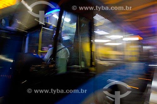 Ônibus do BRT (Bus Rapid Transit) na Estação do BRT Transolímpica - Estação Marechal Fontenelle  - Rio de Janeiro - Rio de Janeiro (RJ) - Brasil