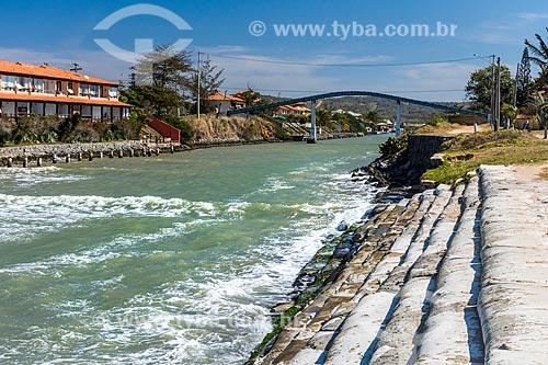 Vista da ponte sobre o canal do molhe da Praia Rasa  - Armação dos Búzios - Rio de Janeiro (RJ) - Brasil