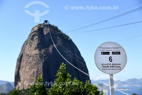 Anúncio sobre o aplicativo de tour virtual com o Pão de Açúcar ao fundo  - Rio de Janeiro - Rio de Janeiro (RJ) - Brasil