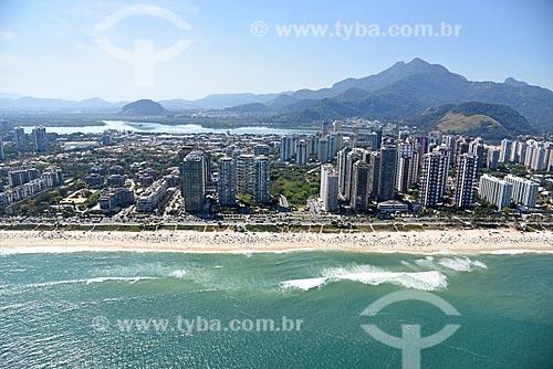 Foto aérea da orla da Praia da Barra da Tijuca com a Lagoa da Tijuca ao fundo  - Rio de Janeiro - Rio de Janeiro (RJ) - Brasil