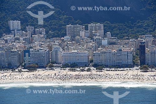 Foto aérea da orla da Praia de Copacabana com o Hotel Copacabana Palace  - Rio de Janeiro - Rio de Janeiro (RJ) - Brasil