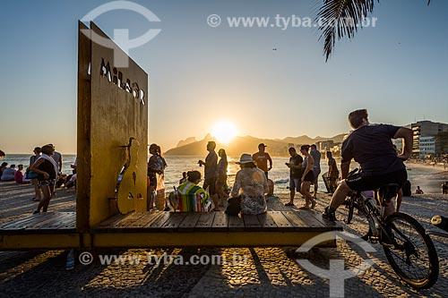 Vista do pôr do sol a partir do Monumento à Millôr Fernandes no Largo do Millôr  - Rio de Janeiro - Rio de Janeiro (RJ) - Brasil