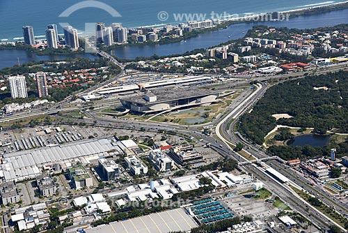 Foto aérea do Trevo das Palmeiras com a Cidade das Artes e o Terminal Alvorada  - Rio de Janeiro - Rio de Janeiro (RJ) - Brasil