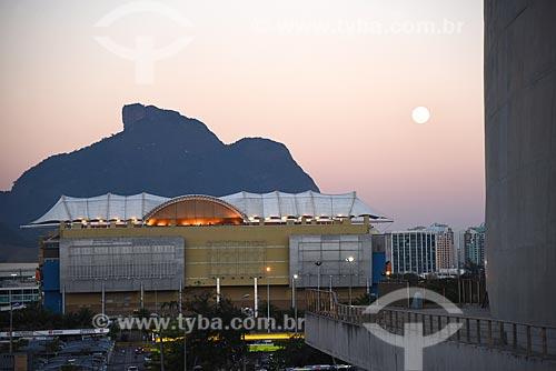 Vista do pôr do sol no Barra Shopping a partir da Cidade das Artes - antiga Cidade da Música - com a Pedra da Gávea ao fundo  - Rio de Janeiro - Rio de Janeiro (RJ) - Brasil