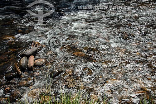Detalhe do leito do Rio São Francisco  - São Roque de Minas - Minas Gerais (MG) - Brasil