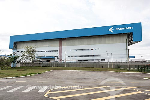 Fachada da fábrica da Embraer - Empresa Brasileira de Aeronáutica  - São José dos Campos - São Paulo (SP) - Brasil