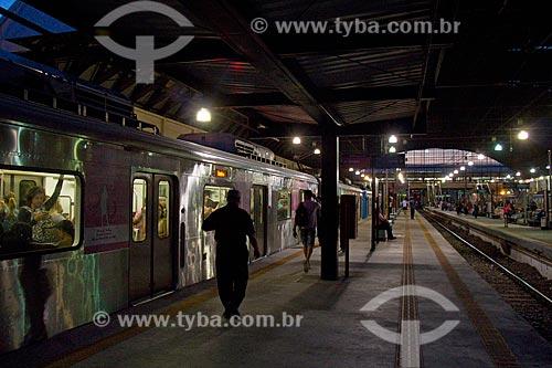 Passageiros na Estação Ferroviária Engenho de Dentro  - Rio de Janeiro - Rio de Janeiro (RJ) - Brasil
