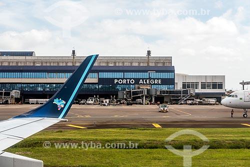 Pista do Aeroporto Internacional Salgado Filho (1940)  - Porto Alegre - Rio Grande do Sul (RS) - Brasil