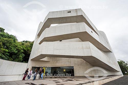 Fachada da Fundação Iberê Camargo (2008)  - Porto Alegre - Rio Grande do Sul (RS) - Brasil