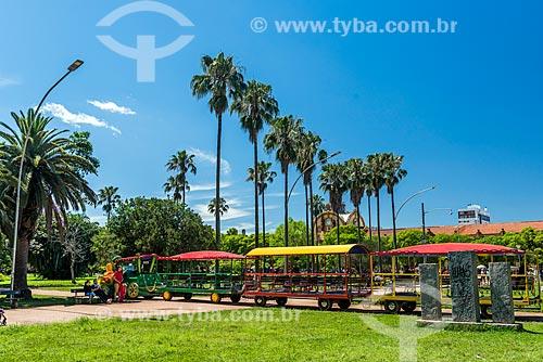 Trem para passeio turístico no Parque Farroupilha - também conhecido como Parque da Redenção  - Porto Alegre - Rio Grande do Sul (RS) - Brasil