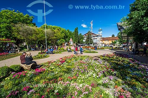 Canteiro de flores na Praça das Flores  - Nova Petrópolis - Rio Grande do Sul (RS) - Brasil