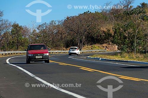 Tráfego em trecho da Rodovia Newton Penido (MG-050)  - Capitólio - Minas Gerais (MG) - Brasil