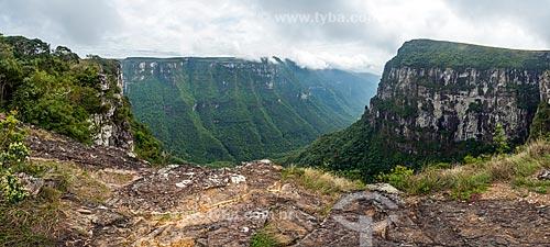 Vista do Cânion Fortaleza no Parque Nacional dos Aparados da Serra  - Cambará do Sul - Rio Grande do Sul (RS) - Brasil