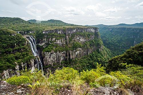 Vista da Cachoeira do Tigre Preto no Parque Nacional da Serra Geral  - Cambará do Sul - Rio Grande do Sul (RS) - Brasil