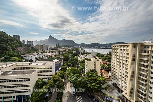 Vista da Avenida Pasteur durante a travessia entre o Morro da Urca com o Pão de Açúcar ao fundo  - Rio de Janeiro - Rio de Janeiro (RJ) - Brasil