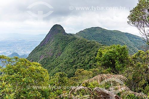 Vista da Pedra do Diabo durante a Travessia Cobiçado x Ventania no Parque Nacional da Serra dos Órgãos  - Petrópolis - Rio de Janeiro (RJ) - Brasil
