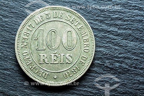 Detalhe de moeda Brasileira - Réis - moeda antiga de 100 Réis  - Florianópolis - Santa Catarina (SC) - Brasil
