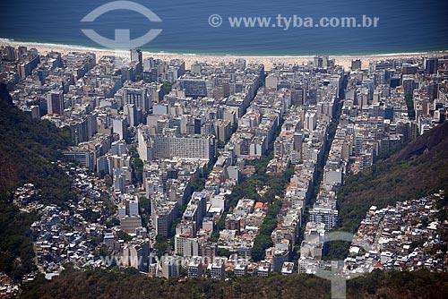 Foto aérea do bairro do Peixoto com a Praia de Copacabana ao fundo  - Rio de Janeiro - Rio de Janeiro (RJ) - Brasil