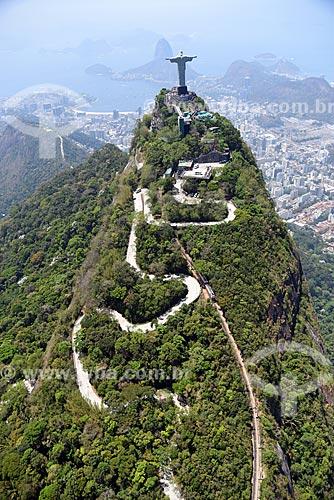 Foto aérea da Estrada do Corcovado com o Cristo Redentor  - Rio de Janeiro - Rio de Janeiro (RJ) - Brasil