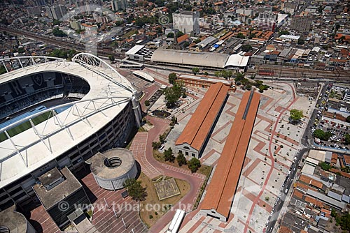Foto aérea do Praça do Trem - antigos galpões revitalizados das oficinas de locomotivas - com o  Estádio Nilton Santos - à esquerda  - Rio de Janeiro - Rio de Janeiro (RJ) - Brasil