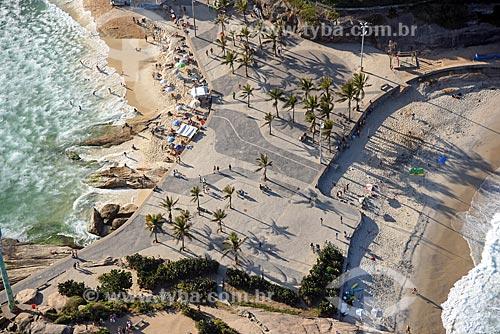 Foto aérea da orla da Praia do Arpoador - à esquerda - com a Praia do Diabo - à direita  - Rio de Janeiro - Rio de Janeiro (RJ) - Brasil