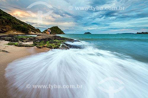Vista da orla da Praia Rasa com a Ponta do Pai Vitório ao fundo  - Armação dos Búzios - Rio de Janeiro (RJ) - Brasil