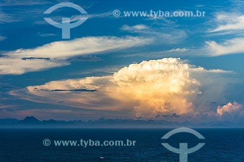 Vista do pôr do sol a partir da orla da cidade de Armação dos Búzios  - Armação dos Búzios - Rio de Janeiro (RJ) - Brasil