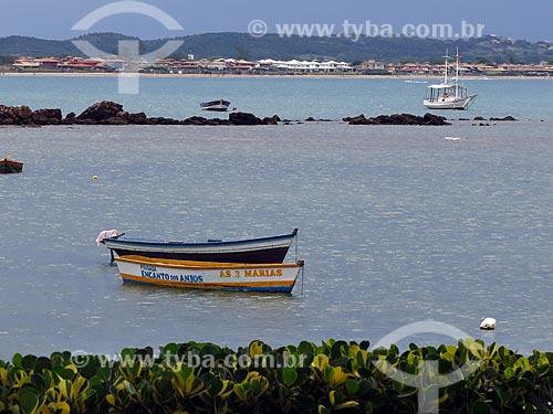 Barcos ancorados na Praia de Manguinhos  - Armação dos Búzios - Rio de Janeiro (RJ) - Brasil
