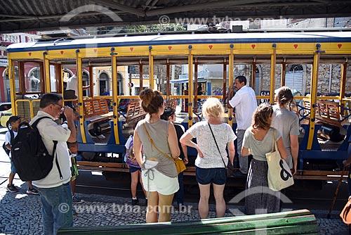 Embarque de passageiros no bonde de Santa Teresa  - Rio de Janeiro - Rio de Janeiro (RJ) - Brasil
