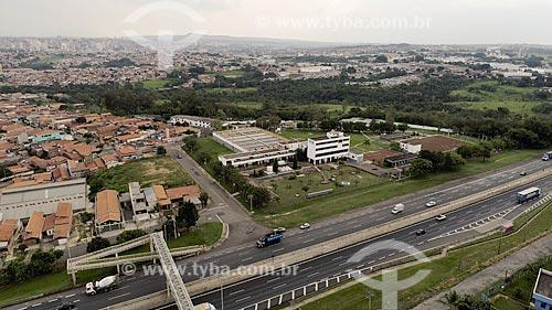 Foto feita com drone da estação de tratamento de água da cidade de Limeira com a Rodovia Anhanguera (SP-330)  - Limeira - São Paulo (SP) - Brasil