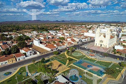 Foto feita com drone da Praça da Matriz com a Igreja Matriz de Nossa Senhora dos Remédios à direita  - Sousa - Paraíba (PB) - Brasil