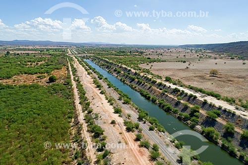 Foto feita com drone de trecho do canal do Projeto de Integração do Rio São Francisco com as bacias hidrográficas do Nordeste Setentrional com água da chuva  - São José de Piranhas - Paraíba (PB) - Brasil